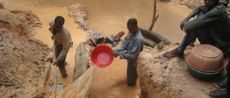 Coltan and Tantalum mining in Congo DRC www.sourcingnetwork.org