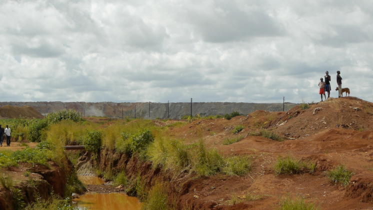 The opening of copper and cobalt mines in DRC has resulted in the forced relocation of local communities. One of many examples is the village of Kishiba, relocated to Kimfumpa to make way for the ERG Frontier mine.